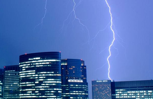 Lightning strike in Tokyo